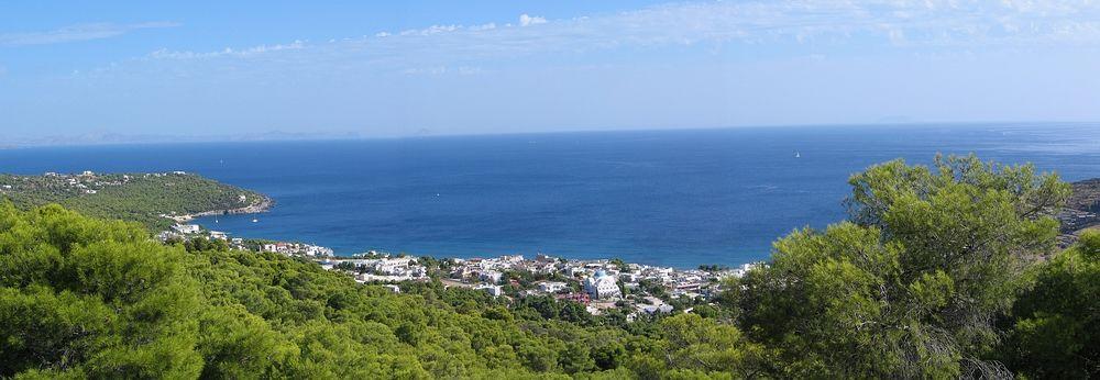 Uitzicht op Aghia Marina - Aegina island - Foto van webgirl